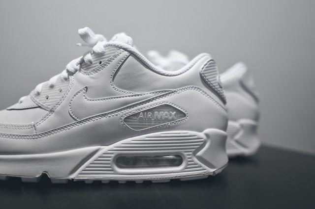Nike Am90 Leather Triple White Bump 2