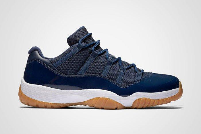 Jordan 11 Low Navy Thumb