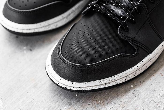 Air Jordan 1 Mid Black Cement