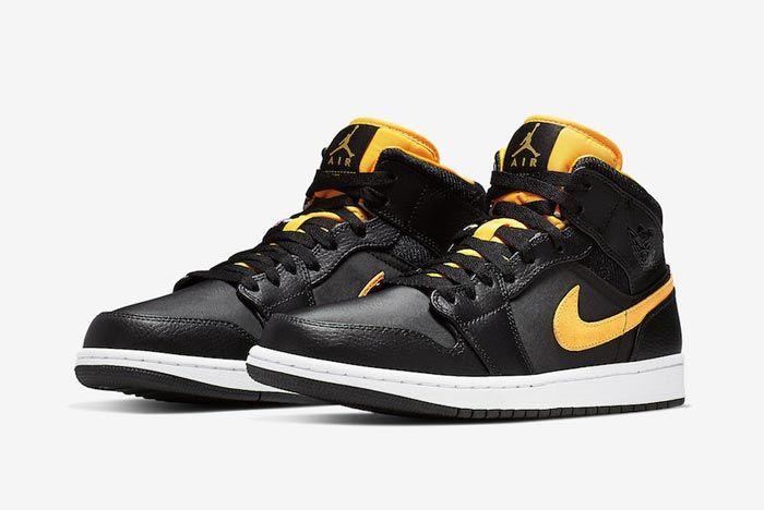 Air Jordan 1 Black Black University Gold Pair