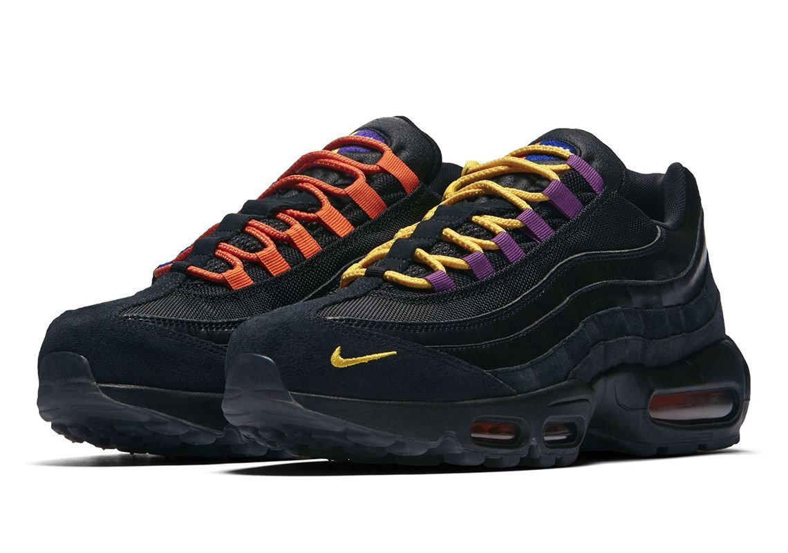 Nike Air Max 95 LA vs NYC Angled