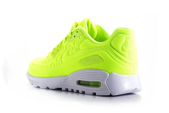 Nike Air Max 90 Ultra Plush Wmns Volt5