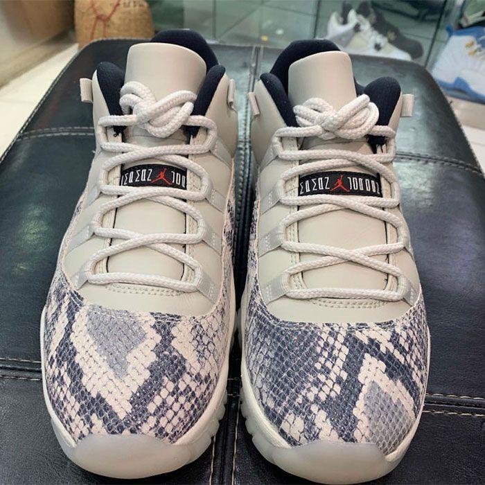 Air Jordan 11 Low Light Bone Snakeskin Top