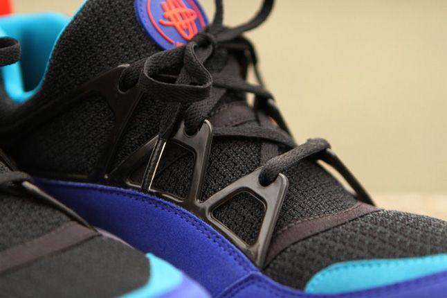 Nike Free Huarache Light Lace Detail 1