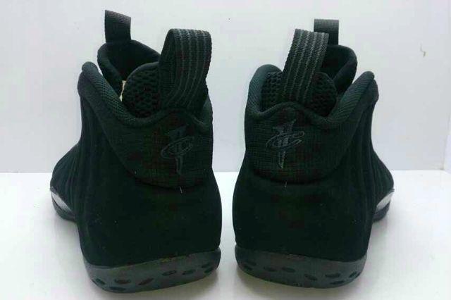 Nike Air Foamposite One Black Suede 01