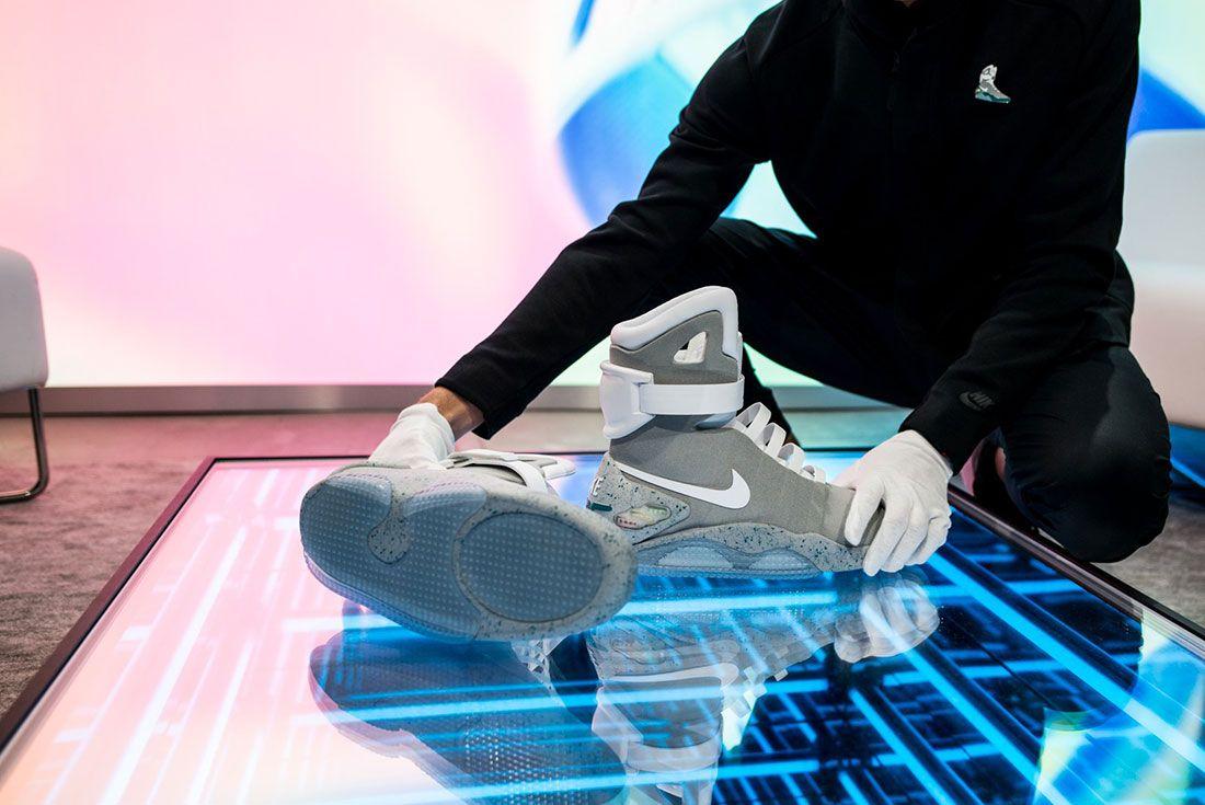 Nike Air Mag Show 9