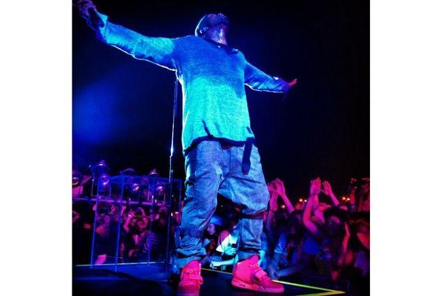 Kanye West Yeezy 2 Nike Red October 2