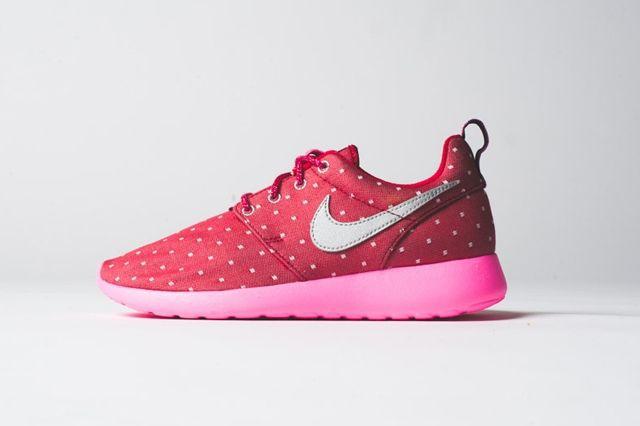 Nike Roshe Run Print Red Metallic Silver 2