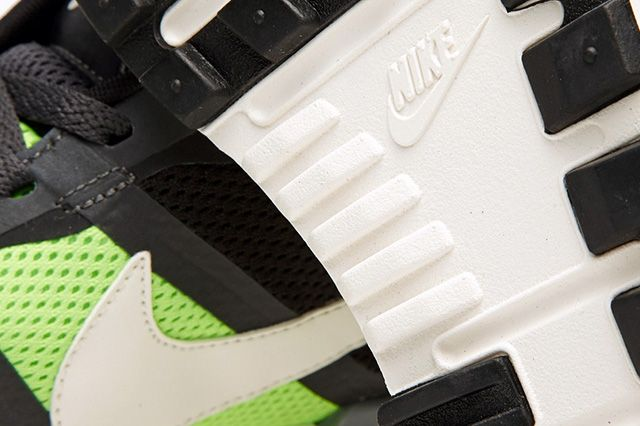 Nike Air Pegasus 83 30 Anthracite Flash Lime 2