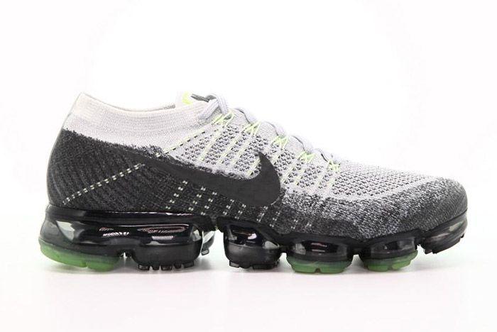 Nike Air Vapormax Pure Platinum Neon Small