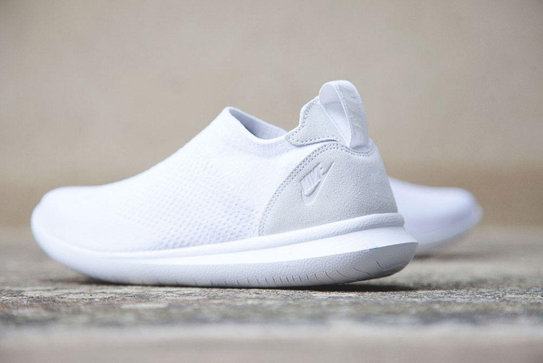 Nike Gakou Flyknit Triple Black White 3
