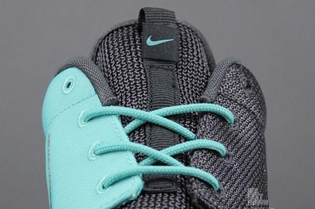 Nike Roshe Run 2Faced Black Tongue Detail 1
