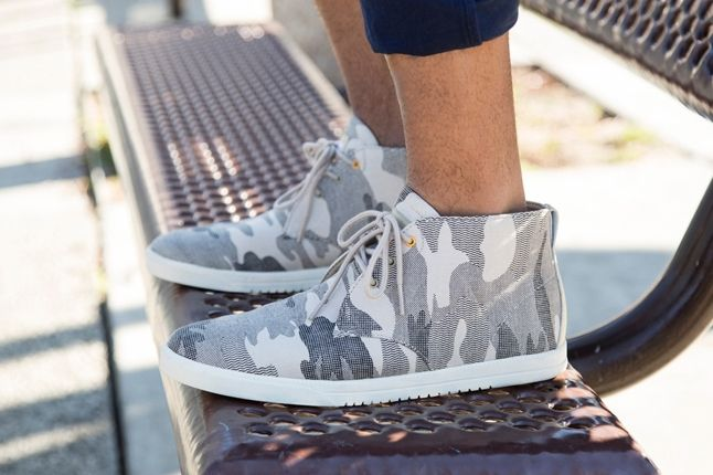 Clae Ss13 Lookbook Strayhorn Canvas Tan Camo 1