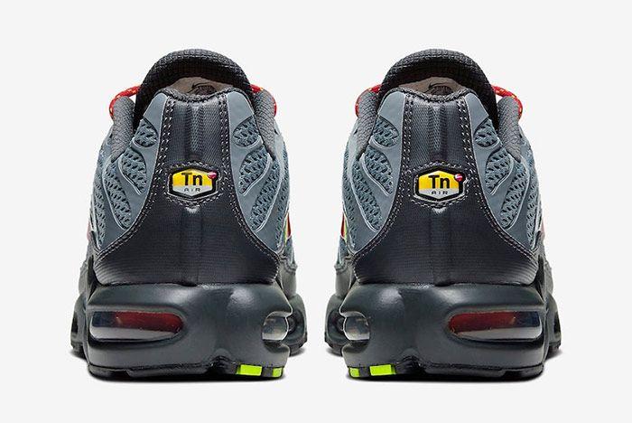 Nike Air Max Plus Toggle Grey Heel