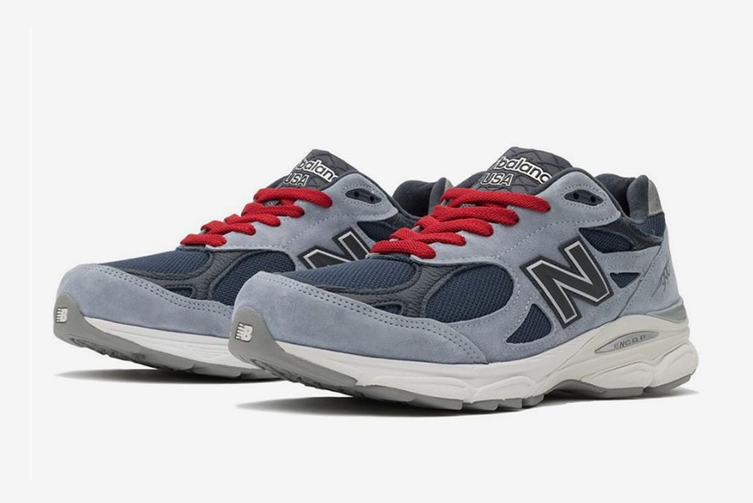 No Vacancy Inn New Balance 990 V3 Front Angle Full