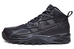 Nike Trainer Triple Black Thumb