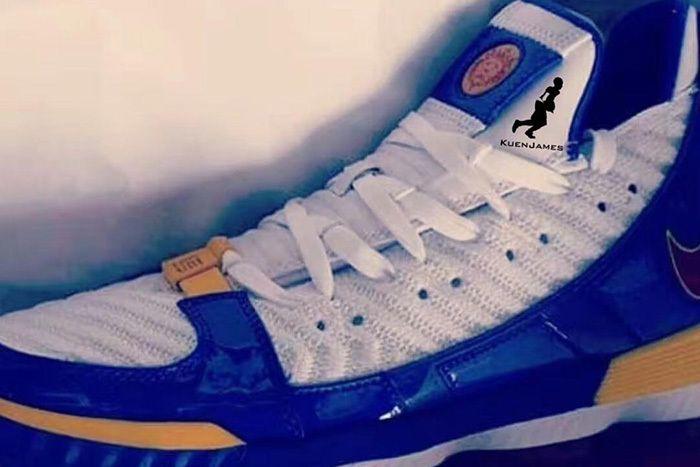 Nike Lebron 16 Superman 1