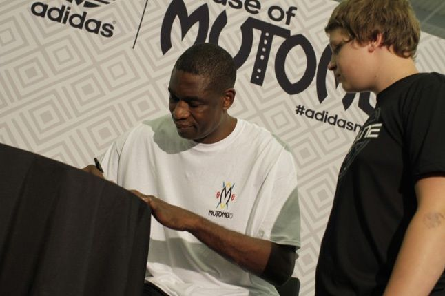 Adidas House Of Mutombo Signing Sneakercon 1