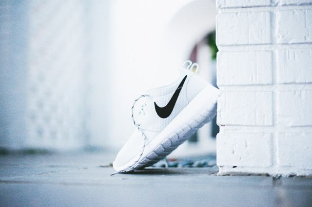 Nike Roshe Run Wmns Pure Platinum 3