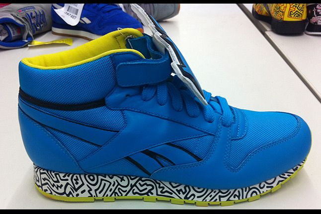 Keith Haring Reebok Cl Leather Mid Lux 12 Blue Lime Profile 1