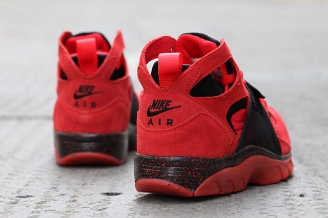 Nike Air Trainer Huarache Red Black 1