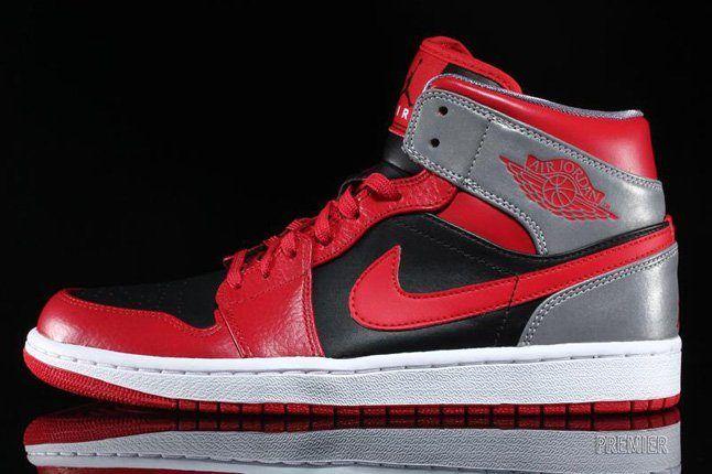 Air Jordan 1 Mid Fire Red 6