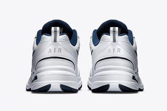 Nike Air Monarch 5