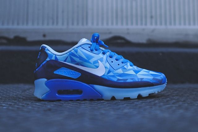 Nike Air Max 90 Ice Barely Blue 8