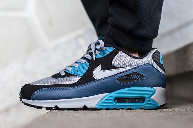 Nike Air Max 90 Squadron Blue Wolf Grey 2