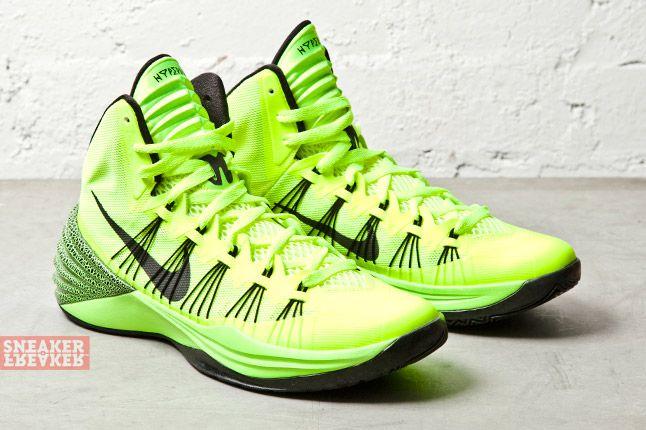 Nike Hyperdunk 2013 Volt 2