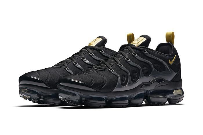 Nike Vapormax Plus Black Gold 1