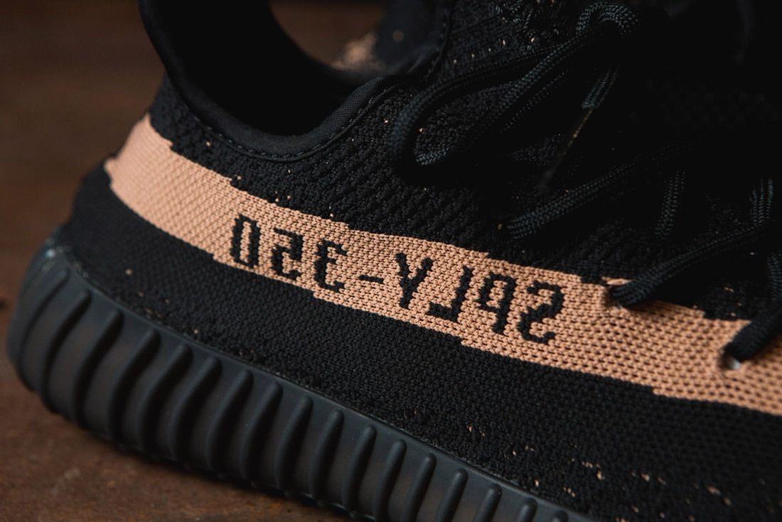 Adidas Originals Yeezy Boost 350 V2 Black Copper Solar Red Green 23