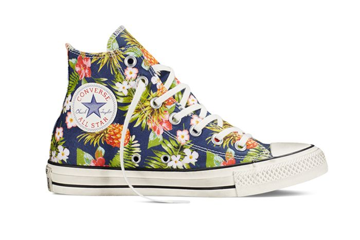 Chuck Taylor All Star Floral Denim1