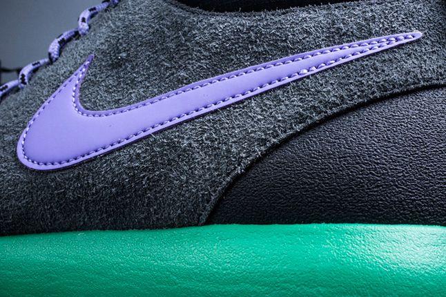 Nike Roshe Run Trail Stadium Green Swoosh Detail 1