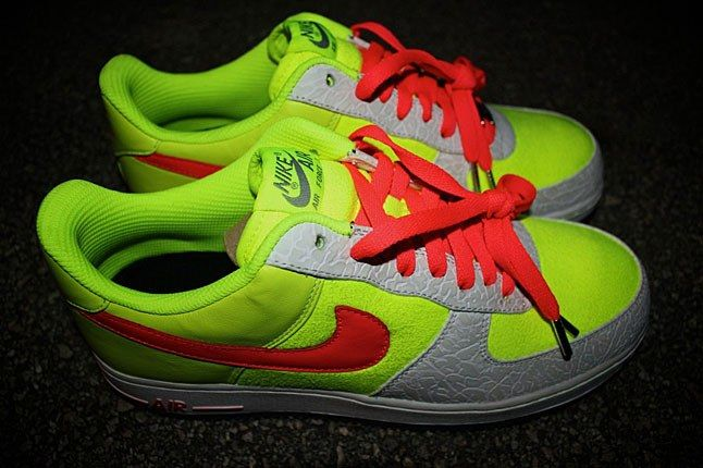 Air Force 1 Sneakerbox Clyde High Vis 2 1