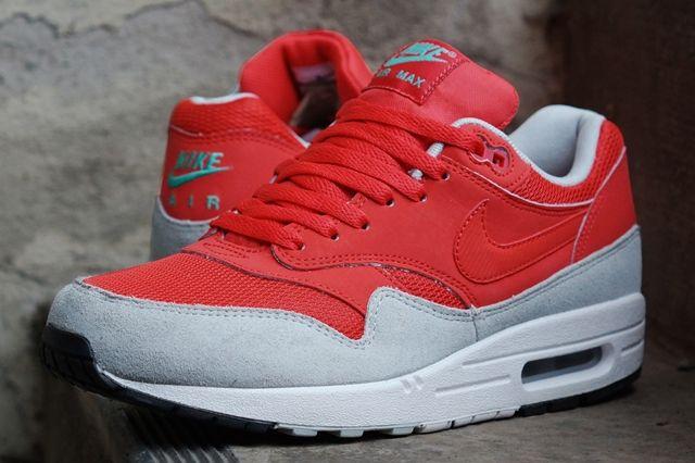 Nike Wmns Air Max 1 Daring Red Grey Mist 1