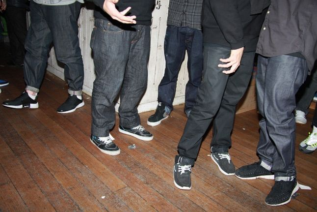 Black Kicks 1