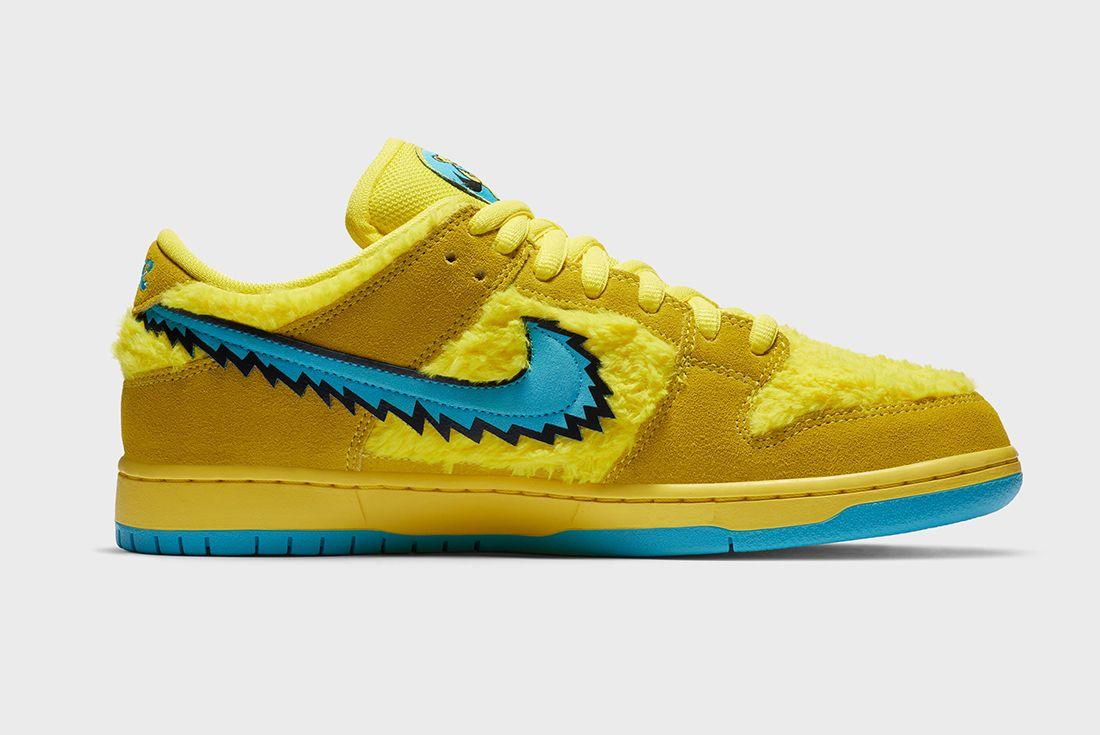 Grateful Dead x Nike SB Dunk Low Yellow Right