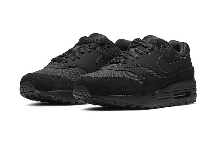 Nike Air Max 1 Triple Black 319986 045 Release Date Pair