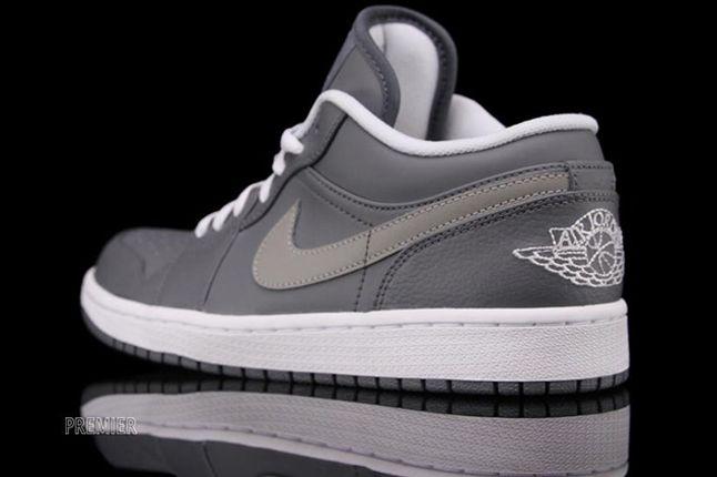 Air Jordan 1 Low Cool Grey Heel Detail 1
