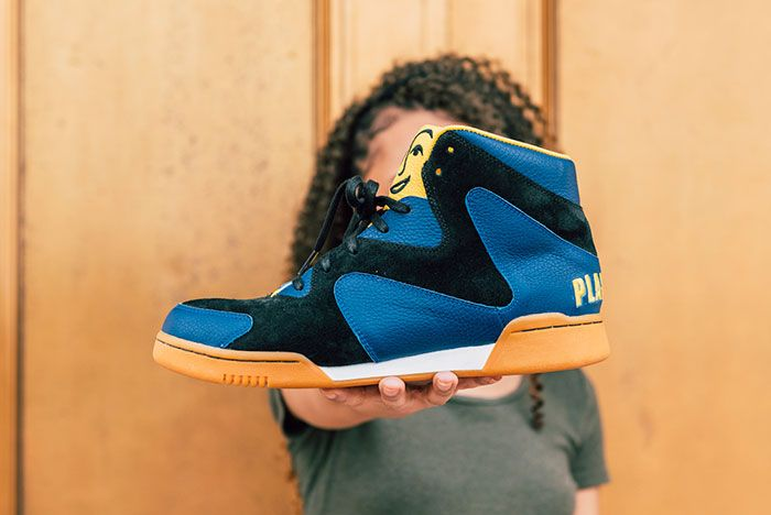 Crunch Force 1S In Hand Lateral