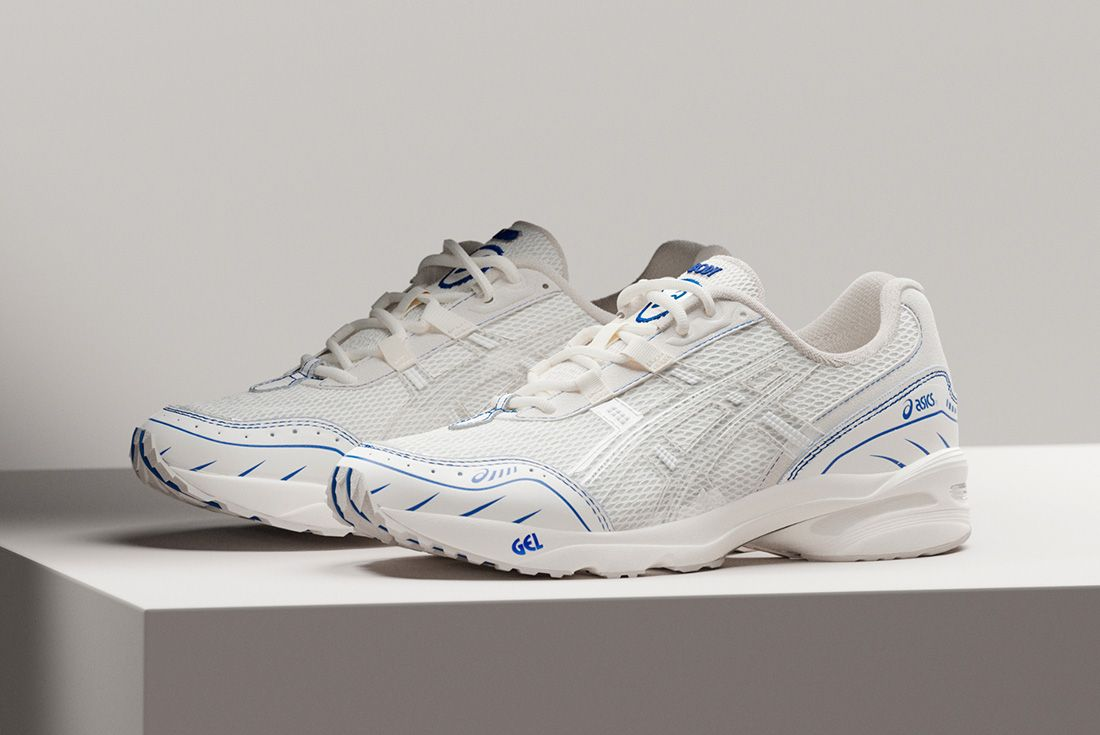 Above The Clouds Asics Gel 1090 Side Lateral