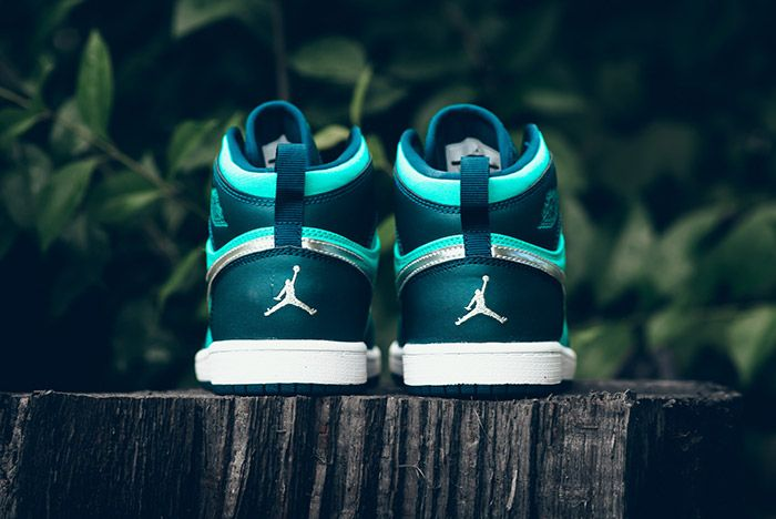 Air Jordan1 Retro High Gp Hyper Jade 3