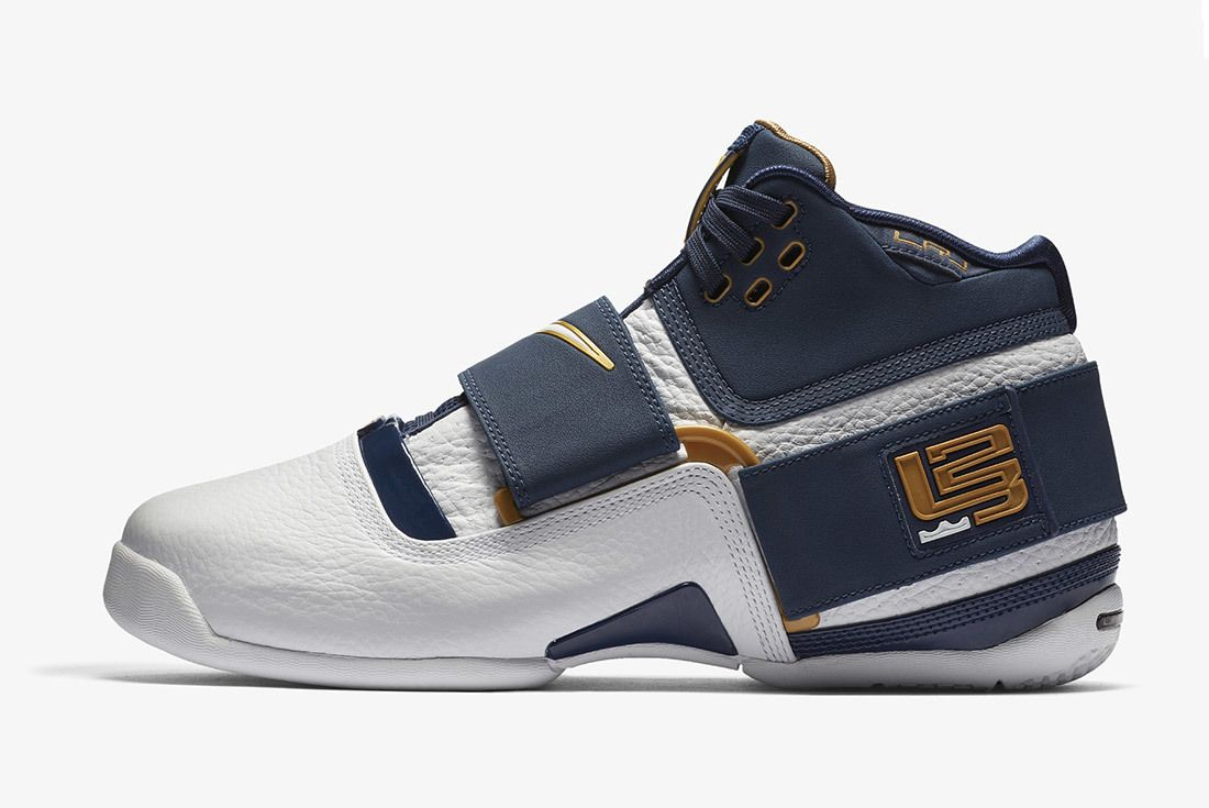 Nike Le Bron Soldier 1 Playoffs 2018
