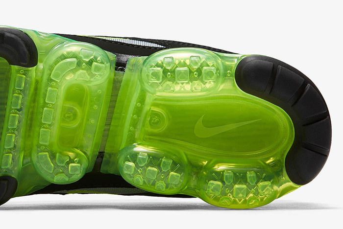 Nike Air Vapormax 97 Neon Release Small