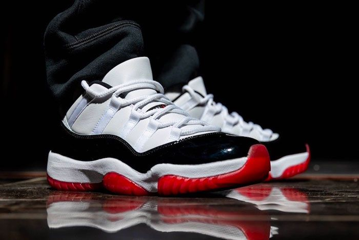 Air Jordan 11 Low White Bred Toe