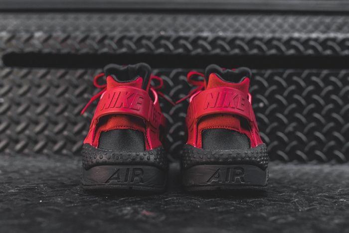 Nike Huarache Black Gym Red Kith Bump 4