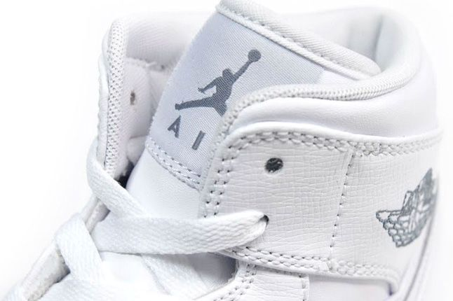 Air Jordan 1 White On White Label 1