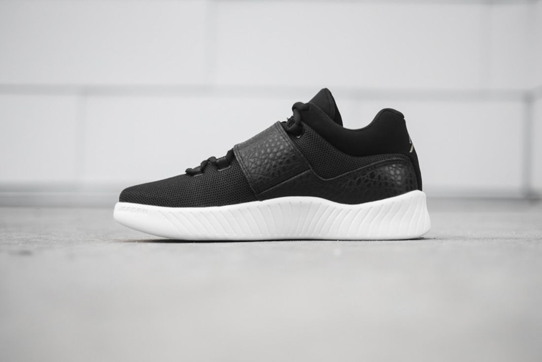 Jordan J23 Black 4