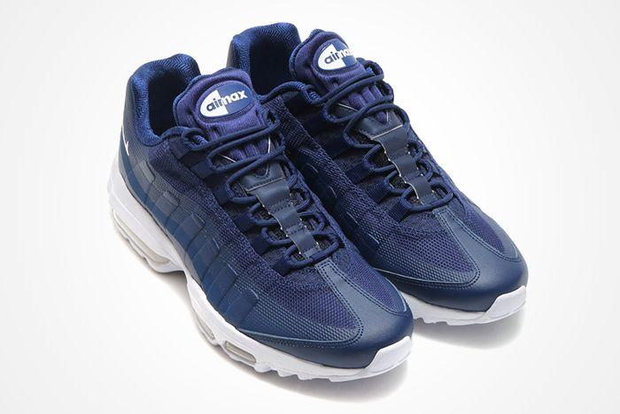 Nike Air Max 95 Binary Blue Feature